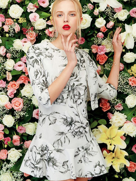 二月花女装产品图片