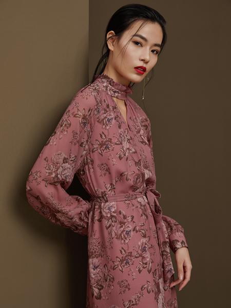 千桐女装产品图片