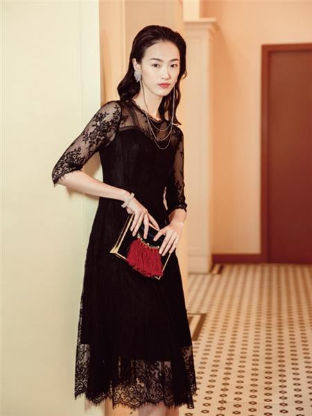 千百惠女装产品图片