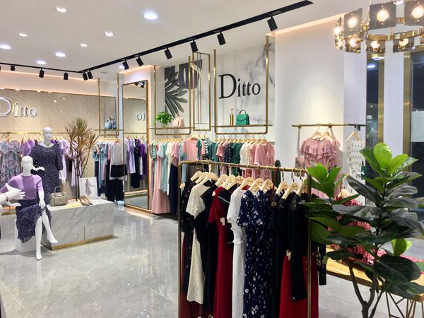 迪图女装店铺展示