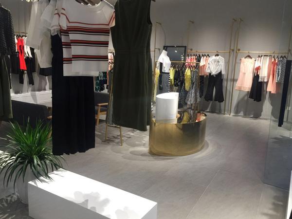 奥伦提女装店铺展示